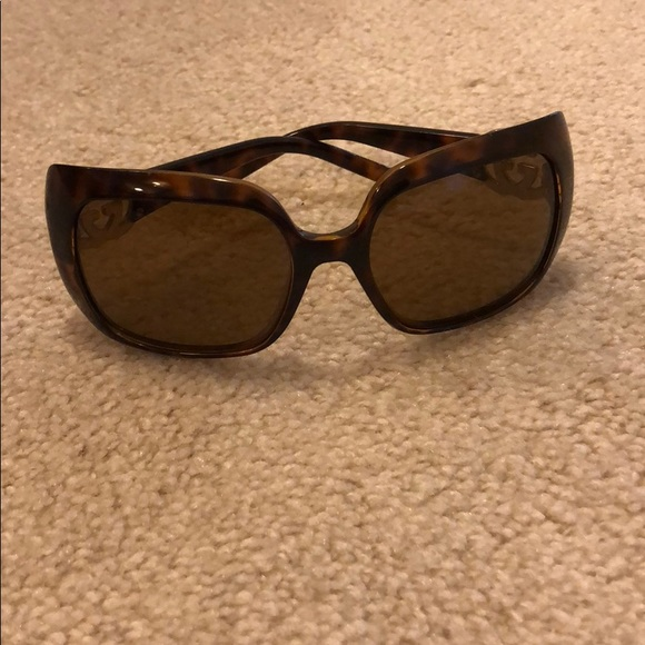 78f80e4917a Gucci Accessories - Gucci tortoise shell sunglasses with gold logo